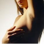 Consejos para la depilación de la axila. Reducción permanente en casa